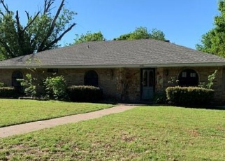 Foreclosed Home in Desoto 75115 CLOVERDALE LN - Property ID: 4397657643