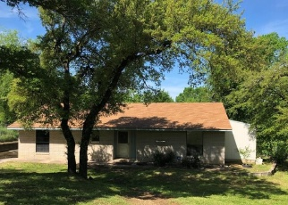 Foreclosed Home in Azle 76020 BEVERLY RD - Property ID: 4397667724