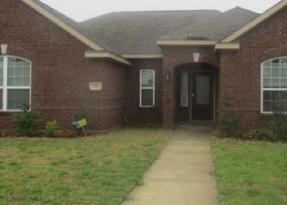 Foreclosed Home in Red Oak 75154 ROARING SPRINGS DR - Property ID: 4397686547