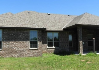 Foreclosed Home in Newcastle 73065 MEADOW CREEK CIR - Property ID: 4397846858
