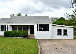 Foreclosed Home in Chickasha 73018 S 12TH ST - Property ID: 4397858227