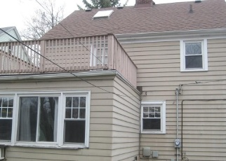 Foreclosed Home in Cleveland 44121 BRENTWOOD RD - Property ID: 4397891521