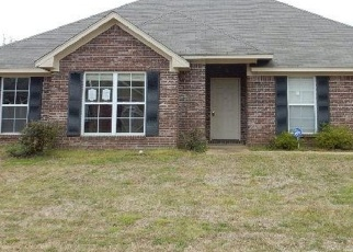 Foreclosed Home in Brandon 39042 PECAN CIR - Property ID: 4398092100