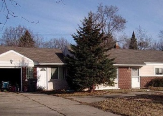 Foreclosed Home in Clinton Township 48036 EDGEWOOD ST - Property ID: 4398136344