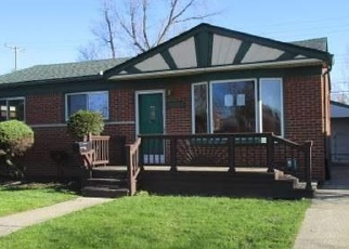 Foreclosed Home in Saint Clair Shores 48081 BARTON ST - Property ID: 4398211236