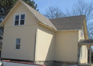 Foreclosed Home in Indianapolis 46219 S ARLINGTON AVE - Property ID: 4398236195