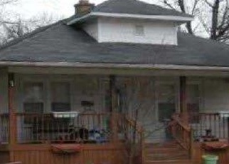 Foreclosed Home in Griffith 46319 N DWIGGINS ST - Property ID: 4398299268