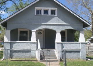 Foreclosed Home in Kansas City 66106 S 38TH ST - Property ID: 4398316348