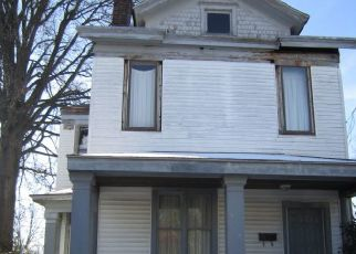 Foreclosed Home in Louisville 40210 W BURNETT AVE - Property ID: 4398324234