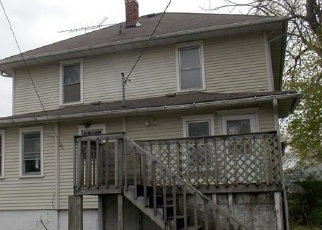 Foreclosed Home in Oskaloosa 52577 N MARKET ST - Property ID: 4398345252