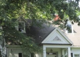 Foreclosed Home in Farmington 61531 S MAIN ST - Property ID: 4398349194