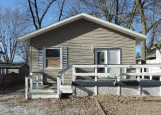 Foreclosed Home in Stonington 62567 W BROWN AVE - Property ID: 4398370220