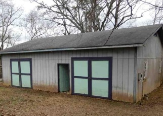 Foreclosed Home in West Blocton 35184 TRUMAN ALDRICH PKWY - Property ID: 4398624249