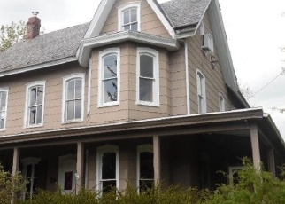 Foreclosed Home in Warminster 18974 GOUGH AVE - Property ID: 4398766145