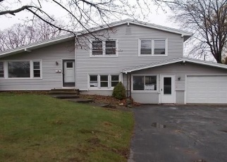Foreclosed Home in Rochester 14616 KAYMAR DR - Property ID: 4398805571
