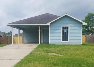 Foreclosed Home in Willis 77378 E BUFFALO CIR - Property ID: 4398888343