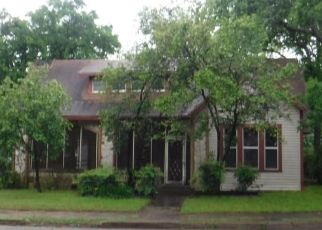 Foreclosed Home in Cleburne 76033 COLLEGE ST - Property ID: 4398896676