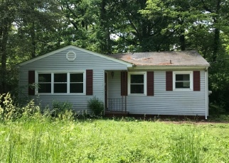 Foreclosed Home in Chattanooga 37411 COLONIAL DR - Property ID: 4398943982