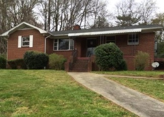 Foreclosed Home in Winston Salem 27105 BOWEN BLVD - Property ID: 4399162970