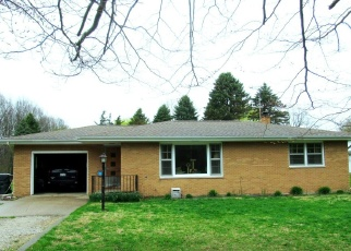 Foreclosed Home in Benton Harbor 49022 WOOD AVE - Property ID: 4399293473