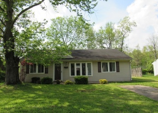 Foreclosed Home in Louisville 40272 PETWOOD BLVD - Property ID: 4399359613