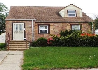 Foreclosed Home in Valley Stream 11580 GATES AVE - Property ID: 4399720497