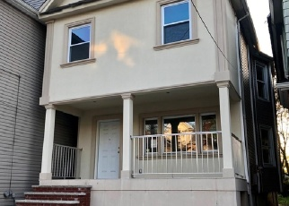 Foreclosed Home in Staten Island 10302 GROVE PL - Property ID: 4399731902