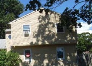 Foreclosed Home in Patchogue 11772 CLINTON AVE - Property ID: 4399748535