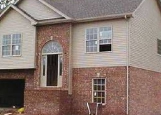 Foreclosed Home in Clarksville 37042 BRUCETON DR - Property ID: 4399793198