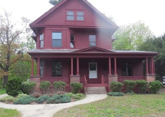 Foreclosed Home in Enfield 06082 SCHOOL ST - Property ID: 4399870733