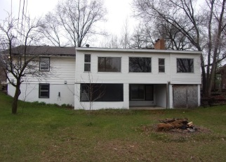Foreclosed Home in Minneapolis 55433 CROCUS ST NW - Property ID: 4400138773