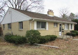 Foreclosed Home in Saginaw 48602 MACKINAW CT - Property ID: 4400155408