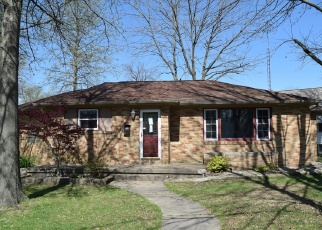 Foreclosed Home in Centralia 62801 E 3RD ST - Property ID: 4400261844