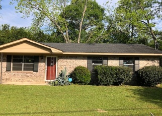 Foreclosed Home in Tifton 31794 SOUTHSIDE DR - Property ID: 4400280672