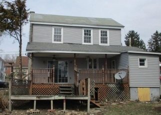 Foreclosed Home in Millersburg 17061 MOORE ST - Property ID: 4400308705
