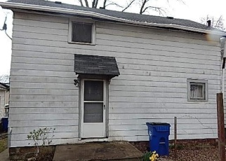Foreclosed Home in Cleveland 44105 JONES RD - Property ID: 4400309578