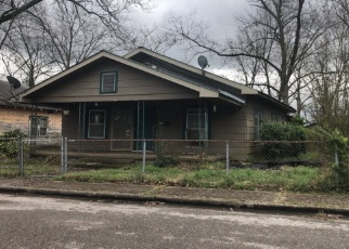 Foreclosed Home in Gadsden 35904 RAILROAD AVE - Property ID: 4400331468