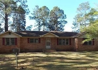 Foreclosed Home in Swainsboro 30401 LAKE LUCK DR - Property ID: 4400351623
