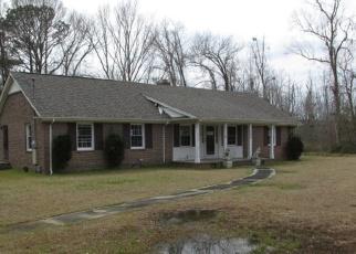 Foreclosed Home in Lumberton 28360 MALLARD CIR - Property ID: 4400352945