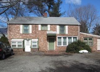 Foreclosed Home in Darien 06820 OLD KINGS HWY N - Property ID: 4400474697