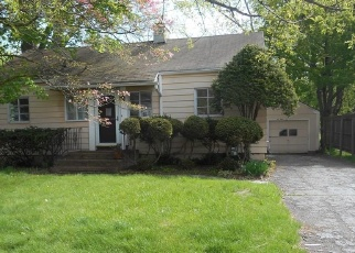 Foreclosed Home in Hamden 06514 CHESTER ST - Property ID: 4400487836