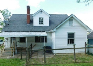 Foreclosed Home in Bloomfield 40008 CHAPLIN RD - Property ID: 4400510160