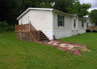 Foreclosed Home in Huntington 25701 GRAPEVINE RD - Property ID: 4400520231