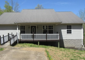 Foreclosed Home in Erin 37061 RYE LOOP RD - Property ID: 4400521102
