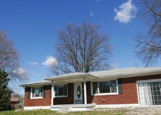 Foreclosed Home in Louisville 40216 CILLIA RD - Property ID: 4400526818
