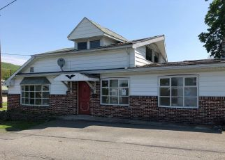 Foreclosed Home in Lykens 17048 CHESTNUT ST - Property ID: 4400640685