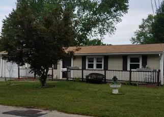 Foreclosed Home in Warwick 02889 CHURCH AVE - Property ID: 4400742741