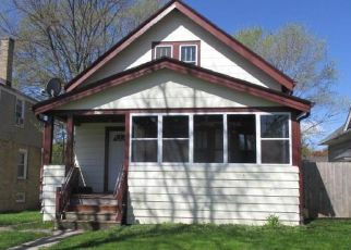 Foreclosed Home in Milwaukee 53209 N 39TH ST - Property ID: 4400834262