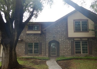 Foreclosed Home in San Antonio 78233 EL SENDERO ST - Property ID: 4400921427