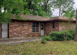 Foreclosed Home in Houston 77090 WILD OAK DR - Property ID: 4400922746